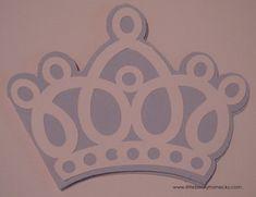 fiesta frozen bodegas ilusion-  Corona de la Princesa Elsa, que puedes encontrar en Goo.gl/LYmiA3.