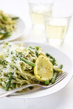 This Almond-Mint Pesto Pasta is a 10-minute weeknight dinner that's so delish.