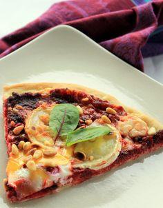 A red goddess is born: punaisen pizzan lumoissa  -punajuurivuohenjuustopizza