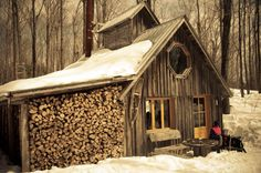 """""""Cabane a Sucre"""" . Maple syrup season in cottage country, Quebec Building A Small House, Building Art, Cabin Design, Rustic Design, Sugar Bush, Garage Interior, Log Cabin Homes, Cabins In The Woods, Little Houses"""