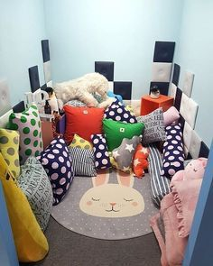 THROWBACK ZERO BASE WANNAONE'S ROOM!!!😝😝😝😝😝💗💗💗💗💗💗WHOSE ROOM YOU WANT THE MOST?? I LIKE JIHOON ROOM AND DANIEL'S ROOM SO MUCH AS JIHOON'S… Miss U So Much, You Are My World, Ha Sungwoon, Aesthetic Rooms, One Bedroom, House Rooms, My Room, Floor Chair, Bean Bag Chair