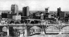 The Oak Cliff Viaduct in Dallas, 1912.