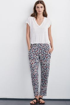 ELLARIA DAHLIA PRINT PANT - Prints Please - The Latest - Women