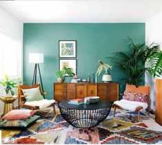 Having small living room can be one of all your problem about decoration home. To solve that, you will create the illusion of a larger space and painting your small living room with bright colors c… Cozy Living Rooms, Living Room Interior, Home Interior Design, Living Room Decor, Interior Decorating, Bedroom Decor, Decorating Ideas, Decor Ideas, Wall Decor