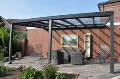 Afbeeldingsresultaat voor houten veranda met glazen dak Wood Pergola, Pergola Kits, Fabric Panels, Backyard Patio, Bauhaus, Decoration, Furniture Design, Outdoor Structures, House Design