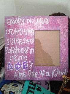 Delta phi epsilon #DIY big/little gift. Make a picture frame for your favorite photo of you and your sister. It will be their favorite gift. #DPhiE