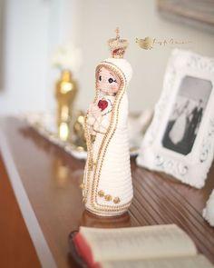 Crochet Dolls, Knit Crochet, Santa Ornaments, Catholic Art, Amigurumi Doll, Christmas Crafts, Quilts, Knitting, Instagram