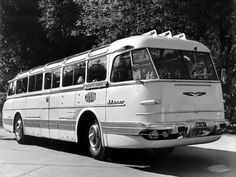 Ik-55 Beast From The East, New Bus, Bus Coach, Car Photos, Old Pictures, Busses, Historical Photos, Locomotive, Old Cars