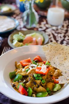 Indian chicken curry with popadoms & grapefruit salad