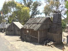 Annie's Hut would have been similar (Sovereign Hill) Gold Miners, House Styles, Books, Libros, Gold Diggers, Book, Book Illustrations, Libri