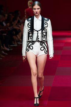 Dolce & Gabbana Spring 2015 Ready-to-Wear Fashion Show - Flo Kosky