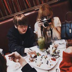 happy eid everyone! Foto Jungkook, Bts Taehyung, Bts Jimin, Kpop Couples, Cute Couples, 17 Kpop, Jeongguk Jeon, Bts Girl, Korean Couple