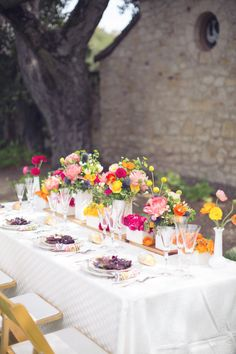 gorgeous flower arrangements to set the perfect party table.