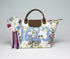 Le Pliage - Collaboration with Tracy Emin - Front view. Longchamp Collection 2004