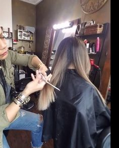 DRY CUTTING▪️ DUSTING SPLIT ENDS ▪️ TEXTURIZING Cut & Color @raynahairartistry #longlayers #texurizing #movement #thickhair Split Ends, Cut And Color, Layers, Hair, Layering, Strengthen Hair