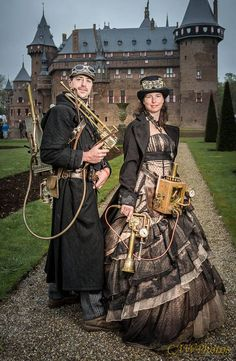 Steampunk Couple at Elfia Haarzuliens, 2015