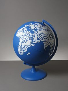 globe made with footprints kyle bean Inventive Hand Crafted Art by Kyle Bean World Globe Map, Globe Art, Map Globe, World Globes, Global Thinking, Fundraising Events, Stop Motion, Trinket Boxes, Three Dimensional