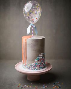 "718 Likes, 44 Comments - Greenbird Cake Studio (@greenbirdcakestudio) on Instagram: ""Cookies & Cream cake, concrete buttercream, chocolate drip, sprinkles and a confetti filled balloon…"""