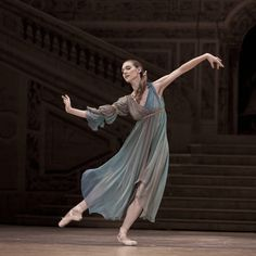 I was recently contacted by photographer Ingrid Bugger about her project, The Essence of Ballet. The project explores the beauty, emotion and physicality of the art of ballet. Ballet Art, Ballet Dancers, Organic Art, Ballerina Dancing, Dance Movement, Dance Poses, Ballet Photography, Ballet Costumes, Ballet Beautiful