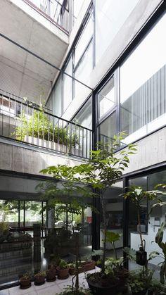 Galería de Edificio de Viviendas Jufre / MONOBLOCK - 2