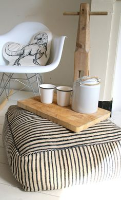 Original handmade Kelim/kilim Moroccan pouf / ottoman / foot stool of wool,made by Jan&Jacob