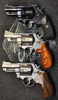 Smith and wesson revolver Smith And Wesson Revolvers, Smith N Wesson, Weapons Guns, Guns And Ammo, Home Defense, Self Defense, Rifles, Arsenal, 357 Magnum