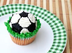 While the decorator would definitely need to have better artistic abilities than myself, these soccer cupcakes are adorable.