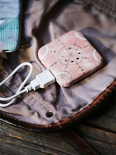 great stocking stuffer for the tech lover - portable power charger http://rstyle.me/n/st5d9r9te