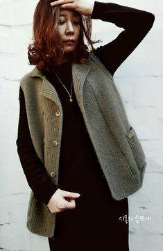 ●디또는 공감이예요. ●구름같은 가벼움과 뽀사시한 느낌에 공감해요. ●피부에닿는 좋은느낌과 포근함에 ... Knit Fashion, Knit Cardigan, Knitting, Sweaters, Jackets, Outfits, Clothes, Style, Magazines
