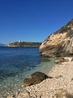 Calamosca a Cagliari è un'oasi appartata di mare e relax. Buon lunedì da Cagliari Holidays.   Calamosca is Cagliari is an isolated oasis of sea and relax. Have a nice Monday from Cagliari Holidays.