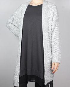 ImiLoa lange Strickjacke in grau aus Wolle, Baumwolle und Mohair