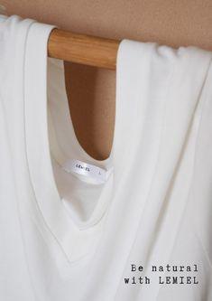 Gerüche ADE 👋🏻  Endlich mehr #Komfort im #Büro #Unterhemd #tshirt #bambusunterhemd #mensfashion #businessmensfashion Ade, Be Natural, Komfort, Underwear, Women, Lingerie