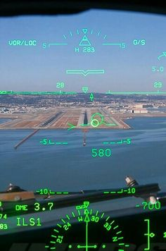 HUD of Delta 737-800 into 28R at SFO -credit to airliners.net Jet Fighter Pilot, Fighter Jets, Boeing 737 Cockpit, Gmunden Austria, Spieth Und Wensky, Swiss Air, Airplane Pilot, Country Hotel, Aviation Industry