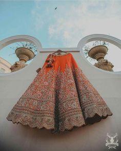 5 Things To Take Care Of During Your Wedding Lehenga Trials! Indian Wedding Lehenga, Pakistani Wedding Outfits, Indian Bridal Outfits, Indian Bridal Fashion, Indian Lehenga, Bridal Lehenga Choli, Indian Bridal Wear, Red Lehenga, Indian Designer Outfits