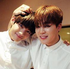BTS V and Jimin