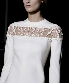 Valentino Spring 2013 Couture Fonte: phe-nomenal #fashion #parisfashionweek #spring 2013 couture #pfw #valentino