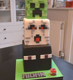 Minecraft Cake Minecraft Cake for my son's birthday. Creeper, Ghast and Enderman tiers. Fondant covering for all 3 tiers. Plastic toys... Minecraft Birthday Cake, Easy Minecraft Cake, Cool Minecraft Houses, Minecraft Pixel Art, Minecraft Crafts, Minecraft Skins, Minecraft Buildings, Birthday Cakes, Minecraft Cake Designs