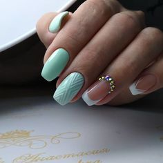 Nail art Christmas - the festive spirit on the nails. Over 70 creative ideas and tutorials - My Nails Minimalist Nails, Trendy Nail Art, New Nail Art, Green Nails, Blue Nails, French Nails, French Toes, French Nail Designs, Manicure Y Pedicure