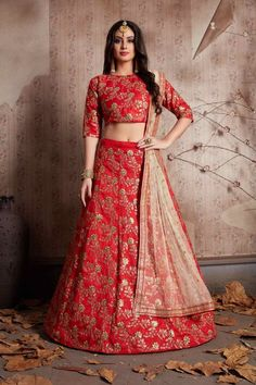 Endearing red raw silk lehenga choli online for women which is crafted from raw silk fabric with exclusive embroidery. Shop this stunning partywear lehenga choli which comes with raw silk blouse and net dupatta. Bridal Lehenga Online, Indian Bridal Lehenga, Lehenga Choli Online, Sabhyasachi Lehenga, Raw Silk Lehenga, Floral Lehenga, Lehenga Blouse, Sabyasachi, Indian Dresses