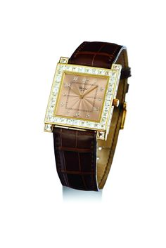 Quartz movement, Champagne color dial with applied Arabic numerals, squared case, diamond-set bezel, yellow gold and diamond-set Chopard buckle, case, dial and movement signed. Dimensions 30 * 30 mm