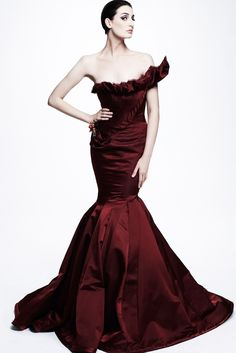 Zac Posen Resort 2013 Fashion Show - Erin O'Connor