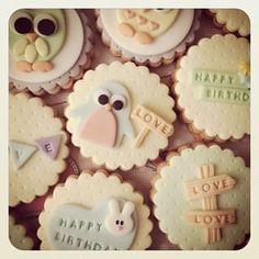 Fancy Cookies, Cute Cookies, Sugar Cookies, Cookie Designs, Cookie Desserts, Cookie Decorating, Cake Pops, Christmas Cookies, Fondant