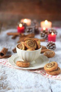 Haselnuss Zimtbällchen und Zimtschnecken Kekse Plätzchen (8)