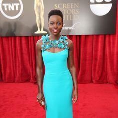 Siguen las alfombras rojas en Estados Unidos, y hoy le toca el turno a los premios Screen Actors Guild Awards 2014. Las actrices siguen luciendo sus mejores ...