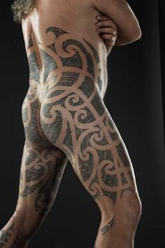 What does maori tattoo mean? We have maori tattoo ideas, designs, symbolism and we explain the meaning behind the tattoo. Body Art Tattoos, Tribal Tattoos, Sleeve Tattoos, Maori Tattoos, Great Tattoos, Tattoos For Guys, Tatoos Men, Awesome Tattoos, Maori Designs