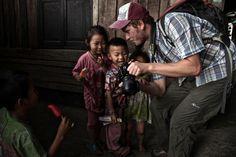 Santiago Xavier Espinosa - Vietnam... Helados con sonrisas. Fabulosa fotografía...