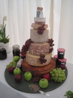 Why have a wedding cake when you can have a cheese tower? Still able to cut so… Pie Wedding Cake, Wedding Cheesecake, Wedding Cake Rustic, Wedding Donuts, Wedding Cake Decorations, Wedding Cake Designs, Wedding Ideas, Cheese Tower, Wedding Lunch