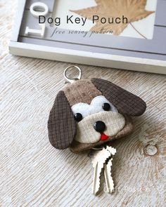 Free sewing pattern to make cute Beagle inspired Dog Key Pouch, Key Cozy, Key Holder. Template & detailed instructions includes step by step photos for easy understanding. – Page 2 of 2 Hand Embroidery Patterns, Sewing Patterns Free, Free Sewing, Embroidery Designs, Easy Sewing Projects, Sewing Crafts, Craft Projects, Sewing Stuffed Animals, Key Pouch
