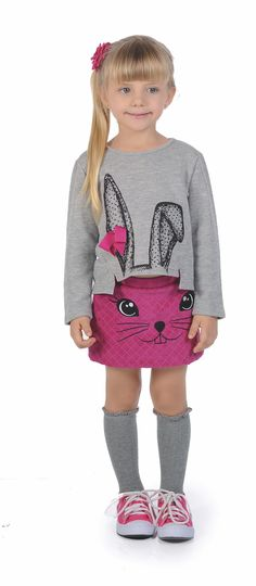 www.ciainfantil.com.br Um conjunto mais que divertido. A saia rosa com costuras…