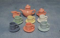 Art Deco Tea Set. Love the colours!!!